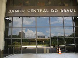 Brasil continua sendo saqueado