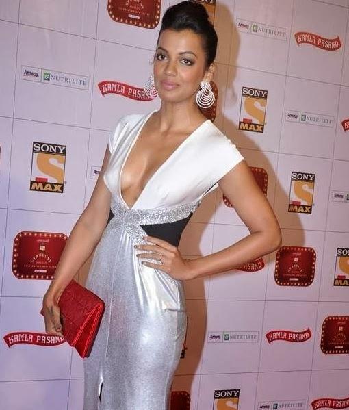 Mughda Godse hot nude pics