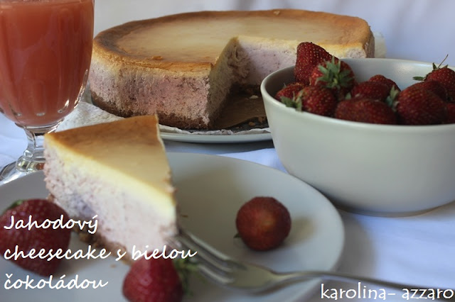Jahodový cheesecake s bielou čokoládou
