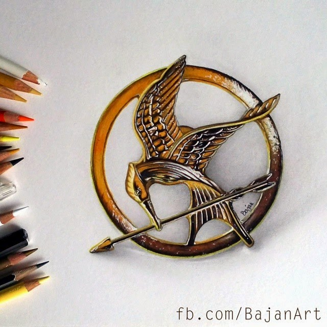 05-Mockingjay-The-Hunger-Games-Łukasz-Andrzejczak-Colored-Pencil-WIP-Drawings-www-designstack-co
