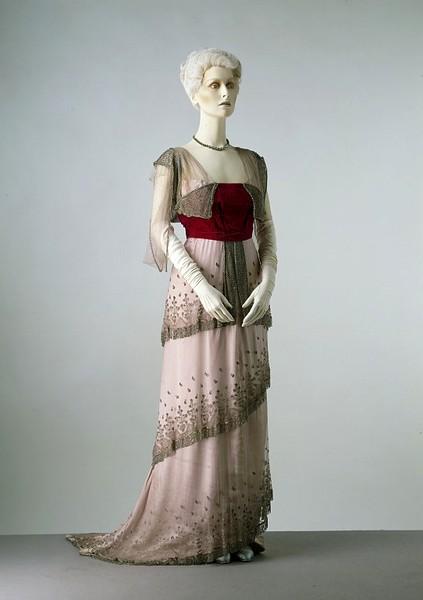 Fabuleux La mode au fil de l'histoire: Les costumes du Titanic de James  WC54