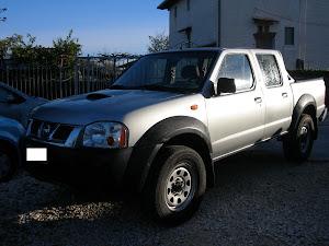 Nissan navarra 2.5 cdi doppia cabina 4x4 2004 100.000 km con clima 6.500,00 euro