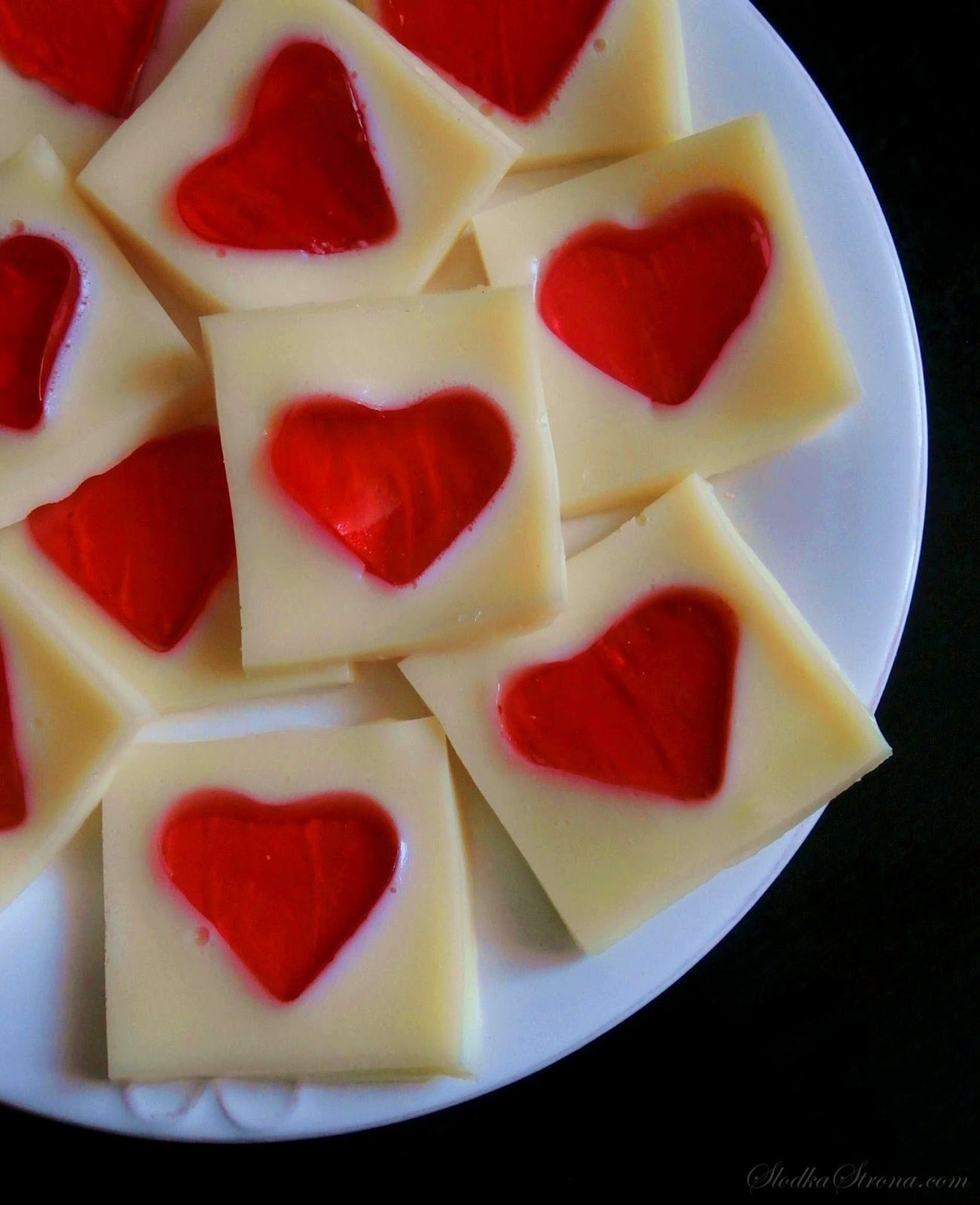 Walentynkowe Żelki - Serduszka (Galaretki z Mlekiem Skondensowanym) - Przepis - Słodka Strona