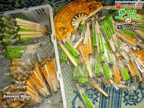 Souvenir Kipas Bambukain Merauke