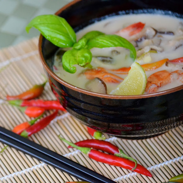 Thai Coconut Shrimp Soup (Tom Kha Thale)