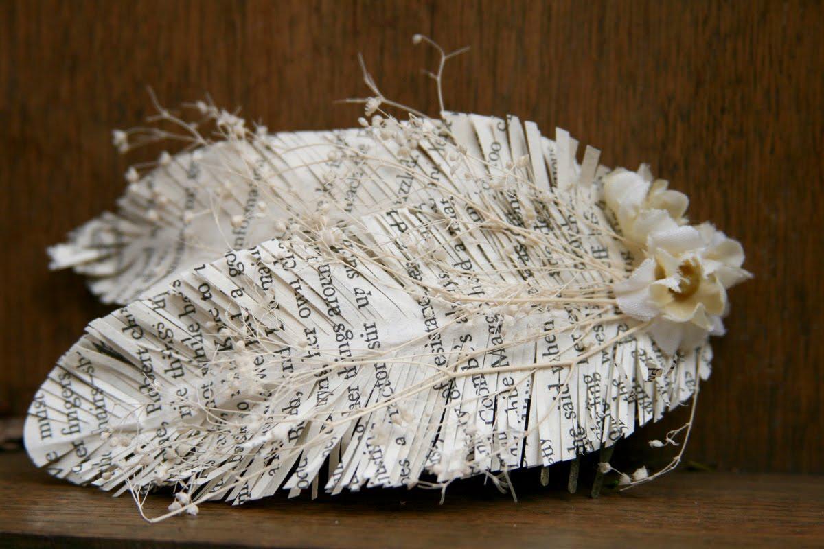 http://3.bp.blogspot.com/-MfrXGRfPSas/TjRkys-aS6I/AAAAAAAACjU/XV1KhP6e3hU/s1600/lynette-paper-feather-comb-1.jpg