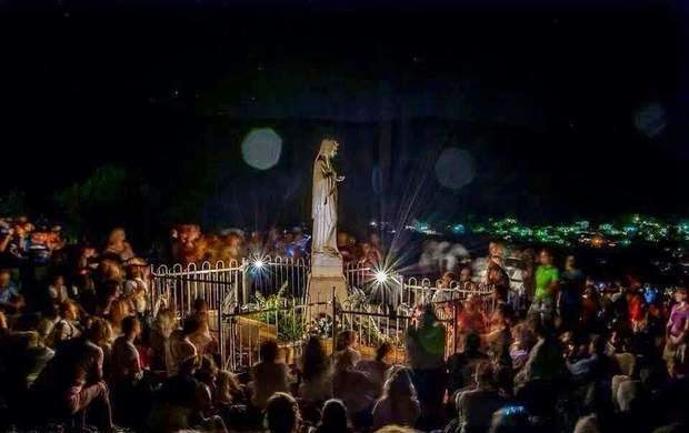 80,000 Catholics unite to Pray to the Virgin Mary