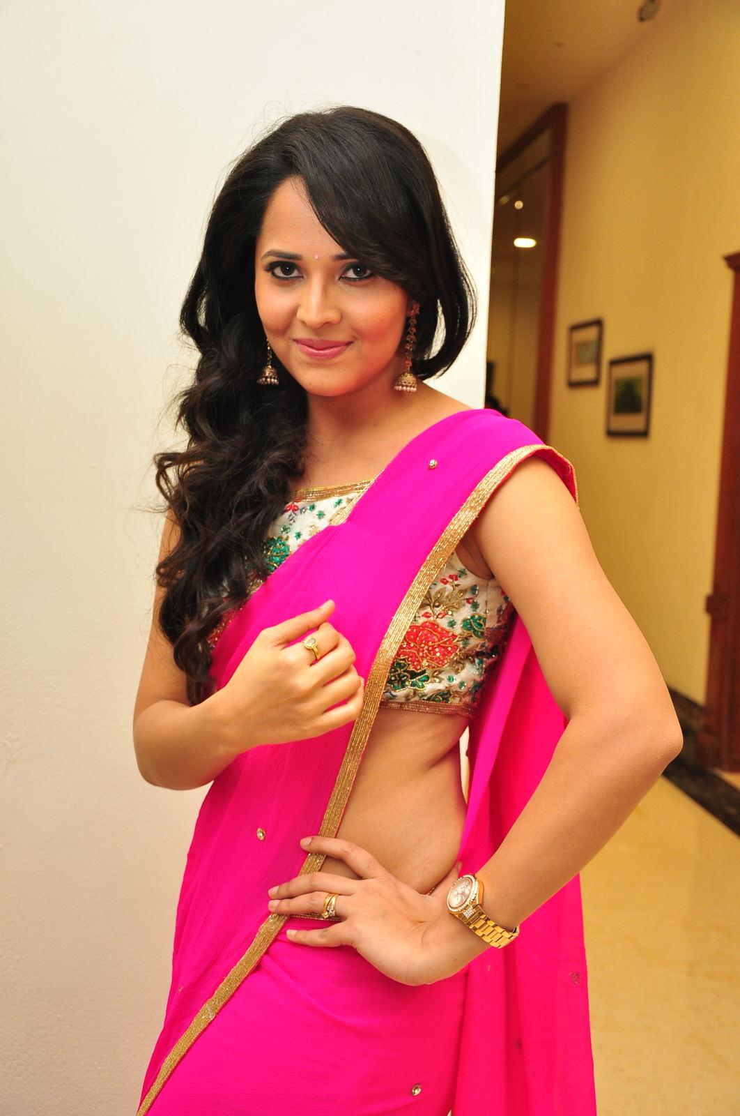 Anasuya dazzling saree photos-HQ-Photo-2