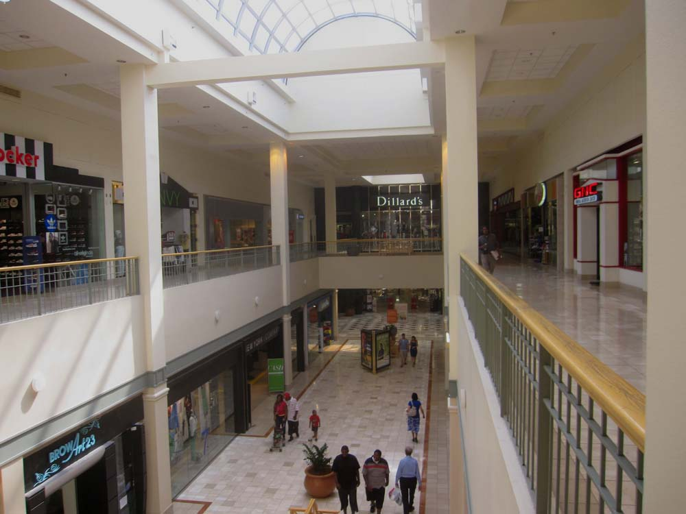 Northpark Mall is a two-level enclosed regional shopping mall on County Line Road in the city of Ridgeland, Mississippi, across from the state capital of Jackson, Mississippi. It is managed and co-owned by Simon Property lemkecollier.ga: Simon Property Group.
