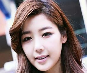 Top 10 Hot and Sexy Photos of Beautiful Model Jo Sang Hi