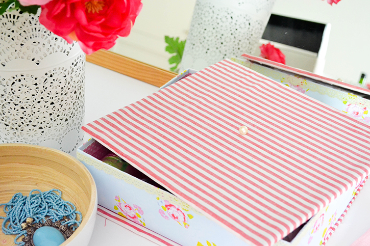 Craft A Doodle Doo-Super Pretty Bracelet & Watch Storage! #organization #inspiration #bracelet