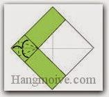 Bước 6: Gấp tạo nếp gấp 3 góc giấy.