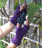 Berry Stained Hands Pattern