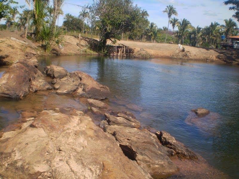 Rio Itaguari - esculpido pela natureza
