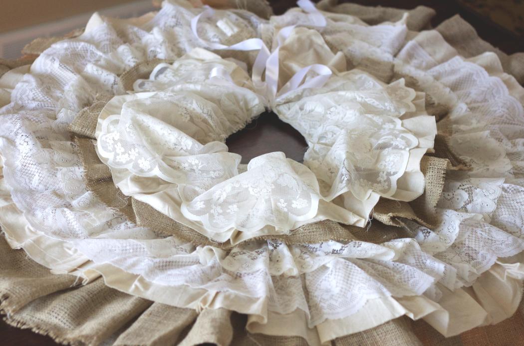diy burlap and lace christmas tree skirt - Christmas Tree Skirts To Make