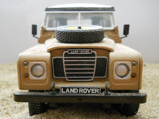 Revell metal kit Land Rover 109