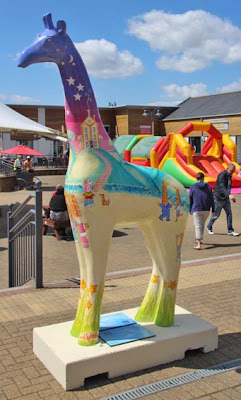 Nextra-terrestrial giraffe at Clacton Factory Outlet - Stand Tall for Giraffes - Ingrid Sylvestre