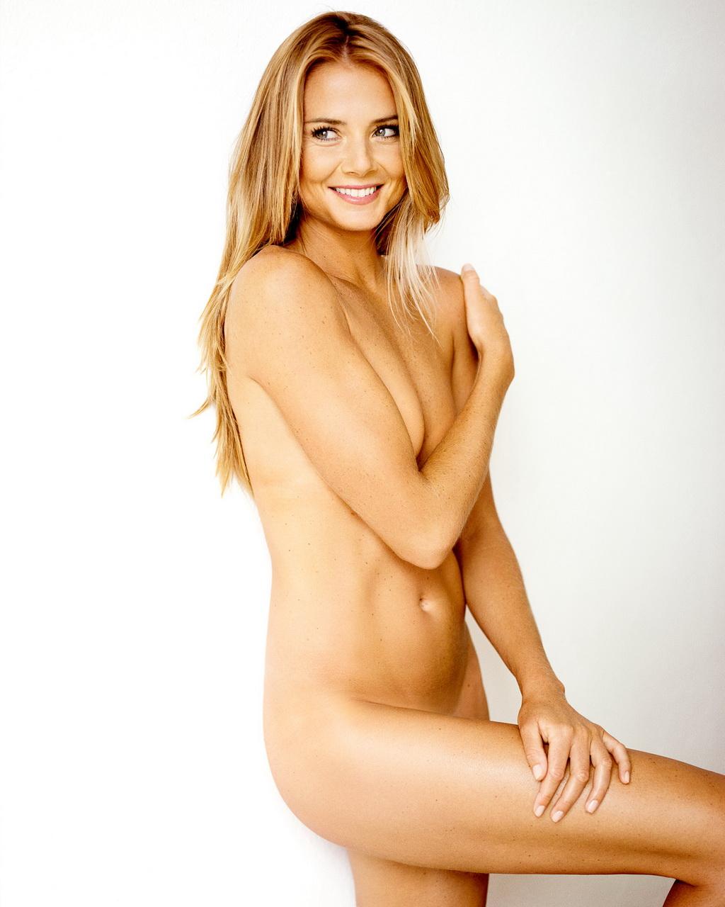 http://3.bp.blogspot.com/-MhIiPAG75hE/UABxjimqs-I/AAAAAAAAAAY/RgEQjeI636U/s1600/daniela+hantuchova+naked.jpg