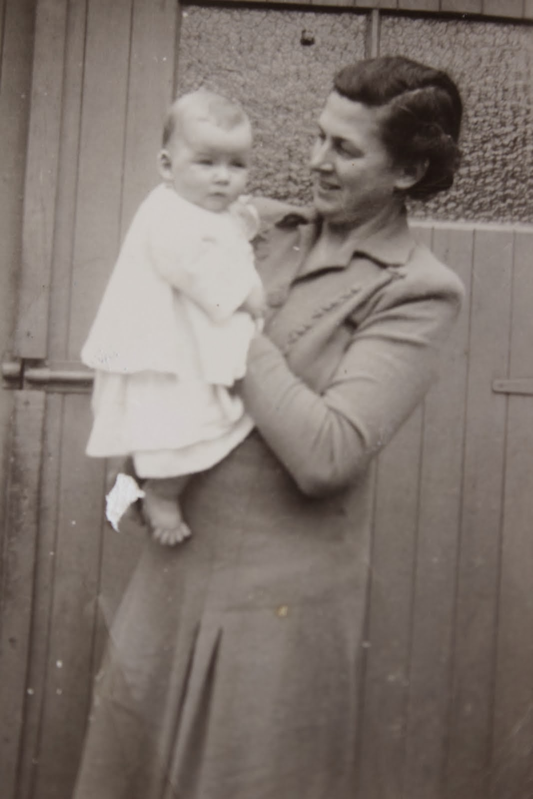 A modern mother, 1953