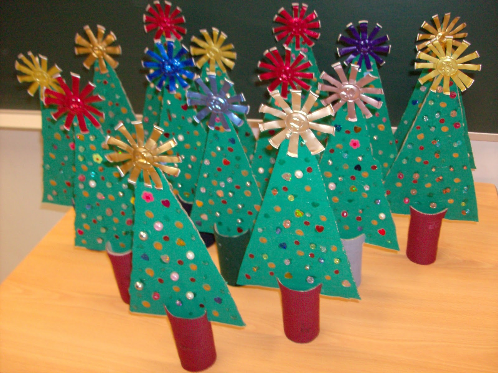 Reuse Crafts: Christmas Tree Cardboard Craft
