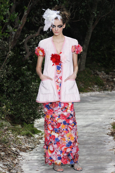 This looks like someone put a bunch of lei garlands in a blender, spackled  them all over a tube dress, and accessorised it with an apron jacket worn  by a ... - January 2013 ~ Hello, Tailor: Costume Design TED Talk: From