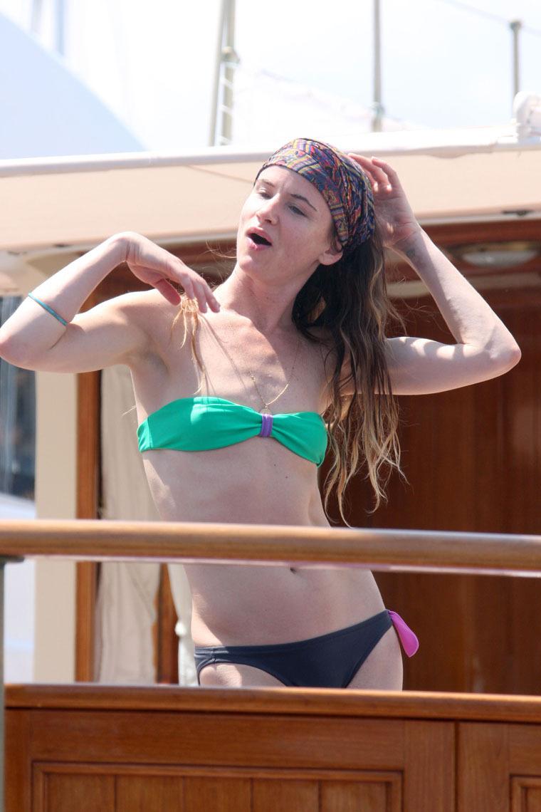 regina lewis nude pics