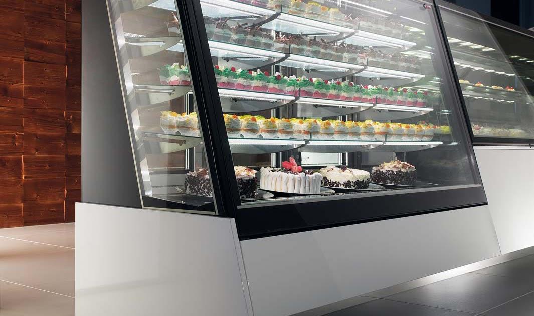 Degart arredo e design vetrine pasticceria gelateria for Arredo bar napoli