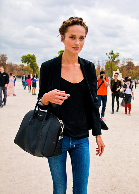 Model Must Have  The Givenchy Antigona Tote Bag - The Front Row View 94ab4df8f3e47