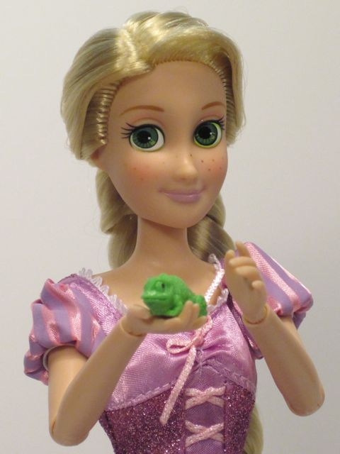 Disney-Tangled-Rapunzel-Doll