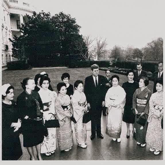 SA Abraham Bolden (far right) with JFK
