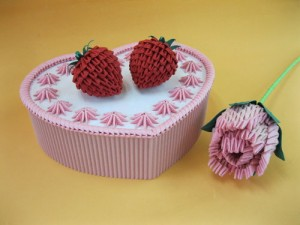 This Is A Nice Origami Cake With Fruits Check Out The 3d Heart Shape Strawberry