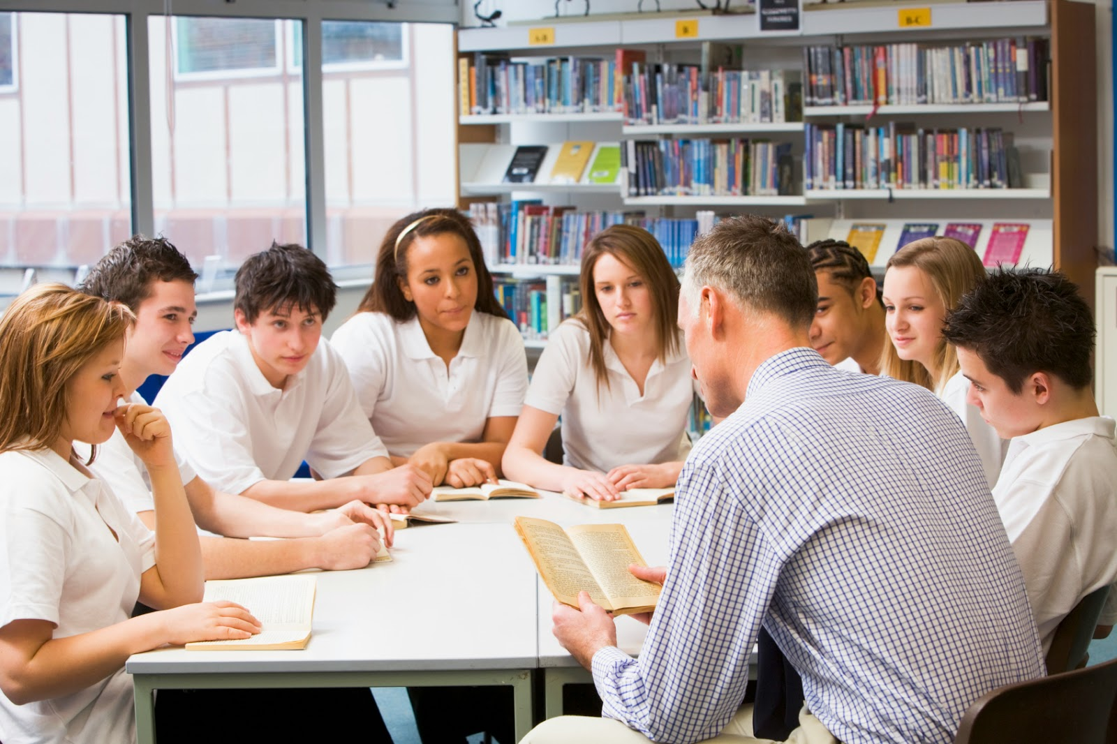 essay teacher student relationship Free essay: teachers and their students have a special relationship what they do affects each other teachers and students can't survive without one another.