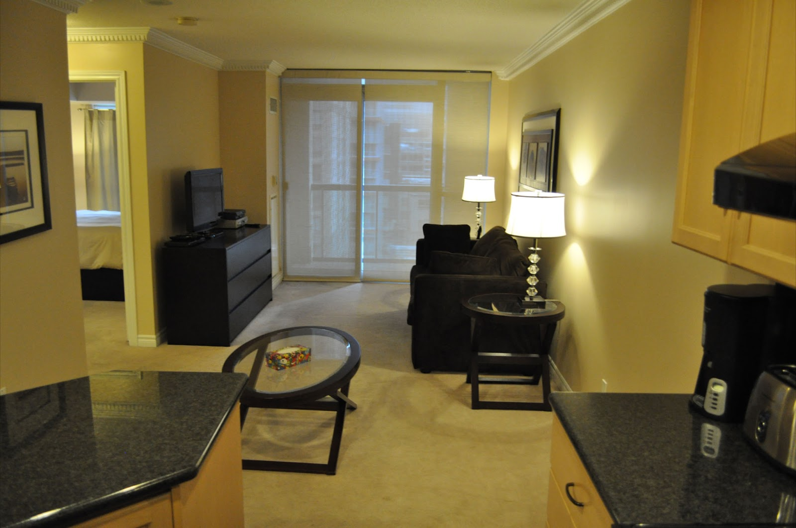 Furnished apartments toronto city stay toronto for Furnished room
