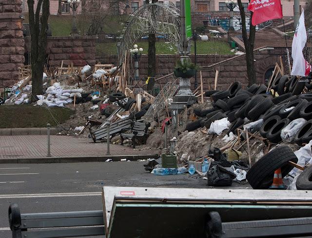 Вы только представьте, как эти скамейки уродовали Киев: