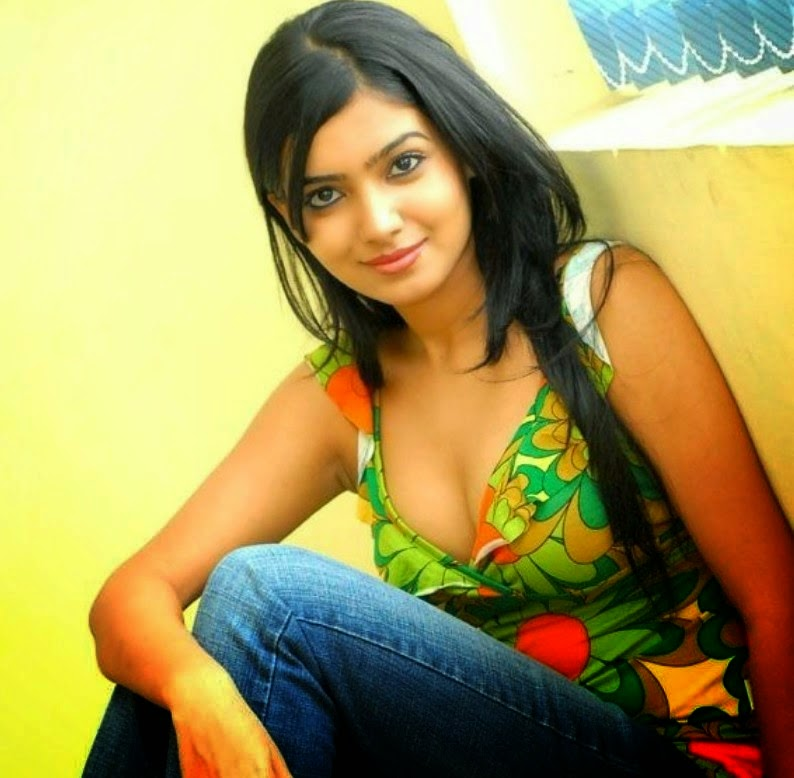 samantha hot cleavage hd wallpapers