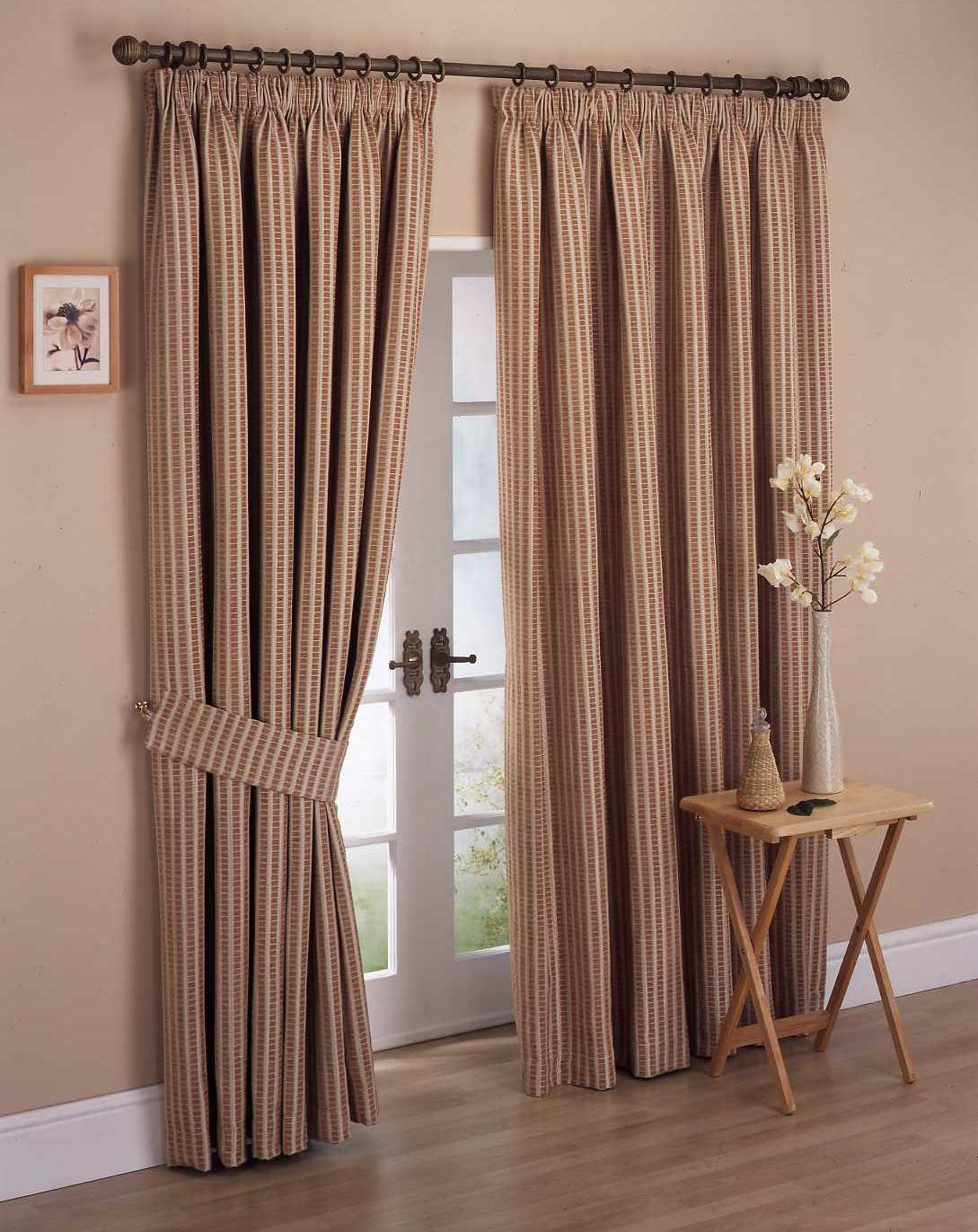 Top catalog of classic curtains designs 2013 for Simple curtain styles