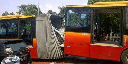 Baut Pengait Lepas, Penyebab Bus Transjakarta Gandeng Terbelah