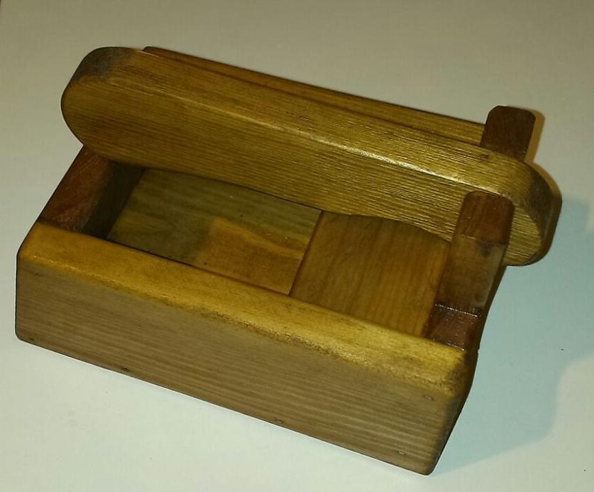 Muebles auxiliares de madera cascanueces berciano - Cascanueces de madera ...