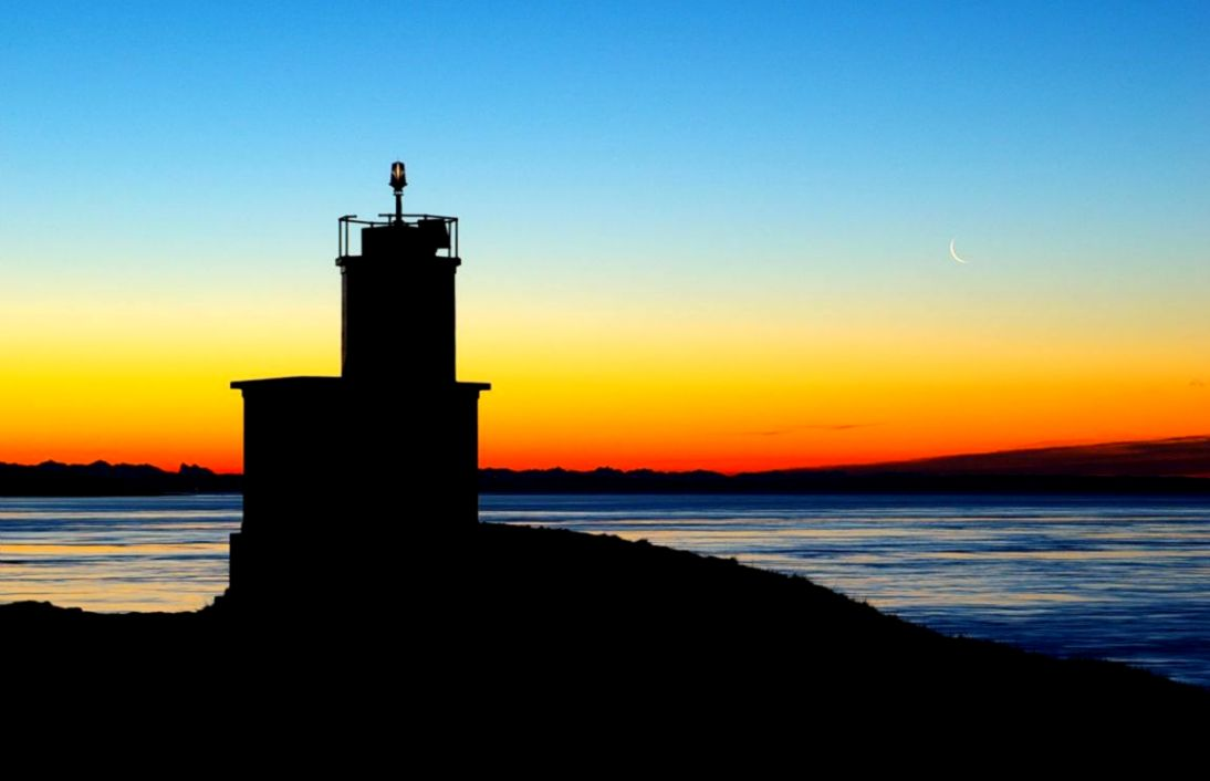 lighthouses sunrise pointofno23