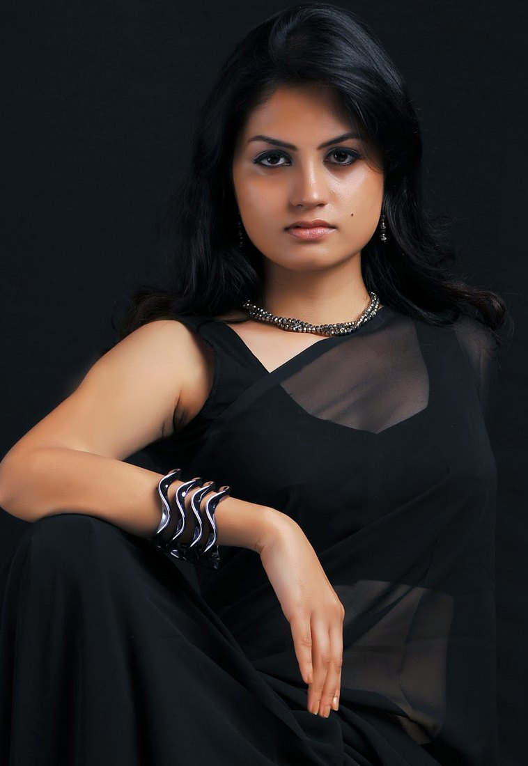 top beauty images | wallpapers | pictures: hot saree pics