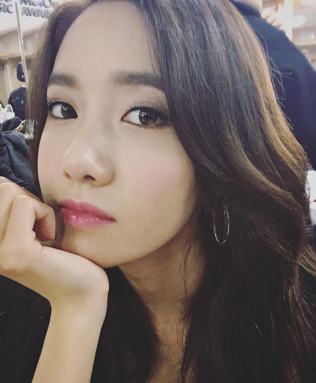 SNSD YoonA greets fans with her gorgeous selfie