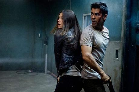 Jessica Biel y Colin Farrell en Desafío Total (2012)