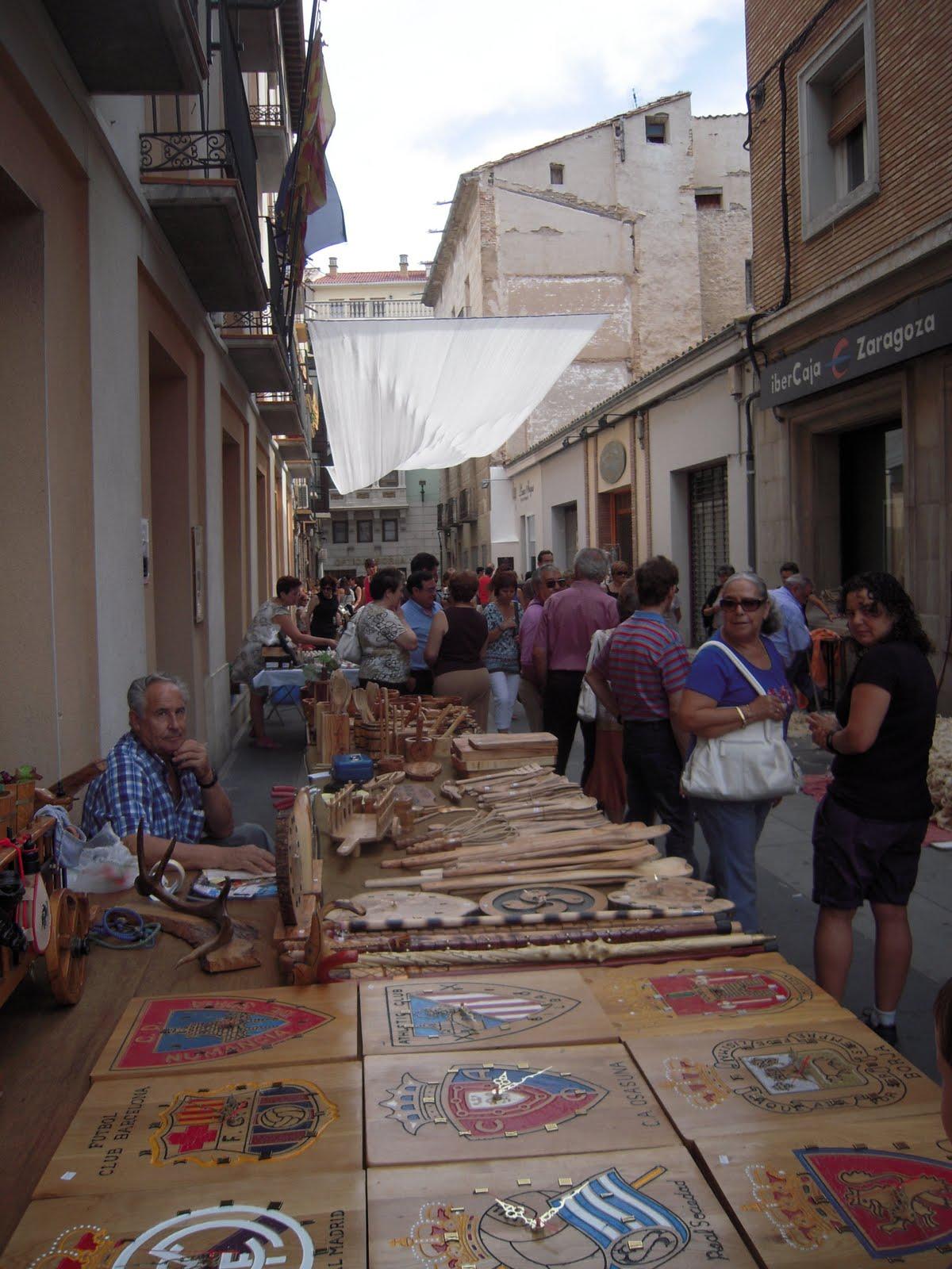 Centro de Estudios Borjanos: Prosigue con éxito la Feria de Artesanía
