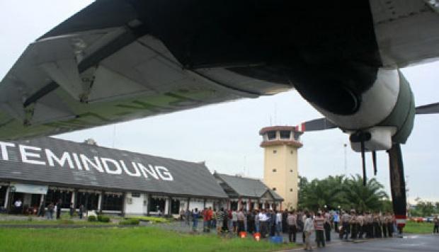 Kabut Asap, Bandara Samarinda Lumpuh