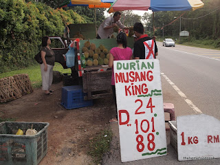 thehomefoodcook - durian - street stall