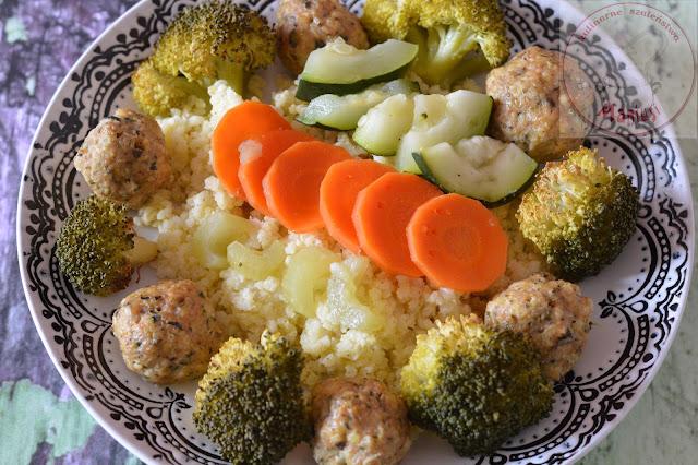Klopsiki z kaszą jaglaną i warzywami