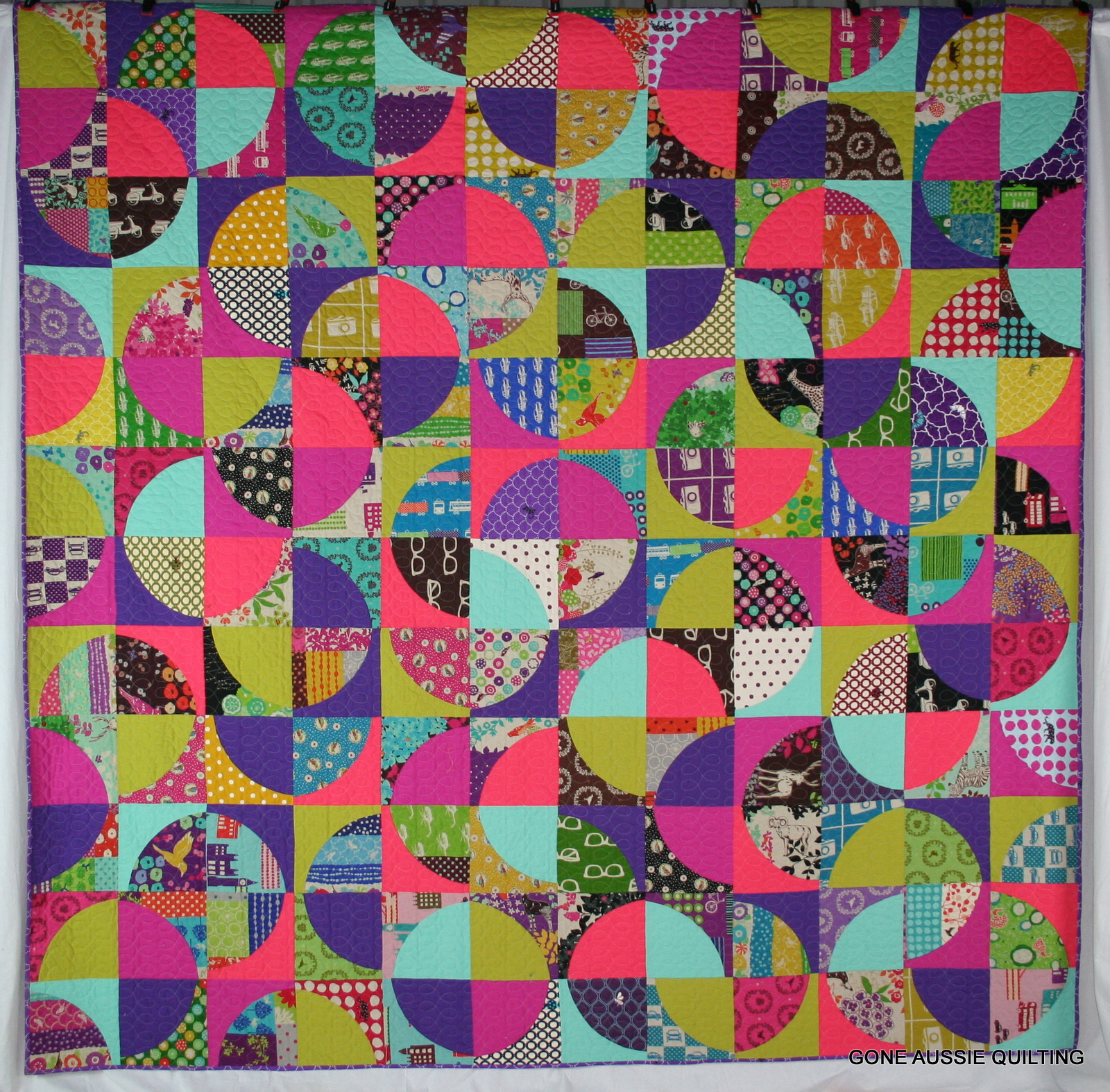 Gone Aussie Quilting: Drunkard's Path Echino Finish!