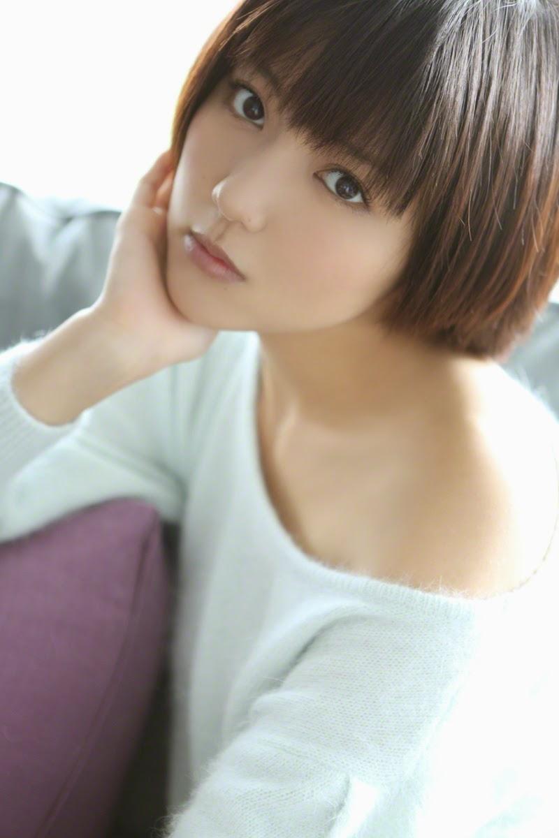 Erina Mano ngực khủng khiêu khích đấng mày râu 9