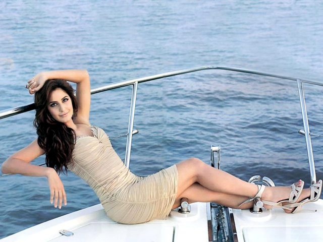 Katrina Kaif HD Wallpaper Download