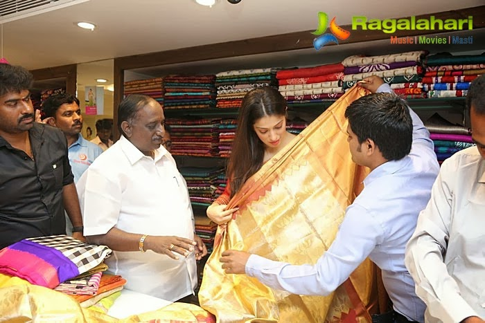 Lakshimi Rai launches the Pongal collection 2014 for Chennai Shree Nikethan